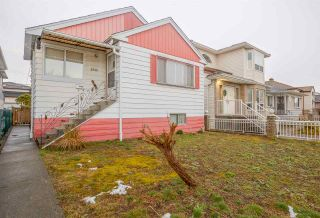 Photo 2: 2933 E 43RD Avenue in Vancouver: Killarney VE House for sale (Vancouver East)  : MLS®# R2145638