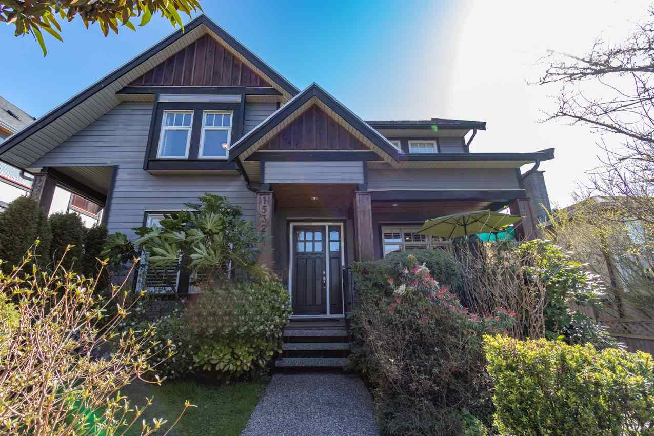 Main Photo: 1532 BEWICKE Avenue in North Vancouver: Central Lonsdale 1/2 Duplex for sale : MLS®# R2560346