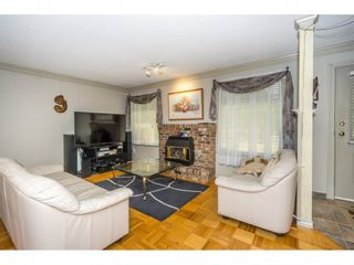 Photo 3: 17989 64 Avenue in Surrey: Cloverdale BC House for sale (Cloverdale)  : MLS®# R2201816