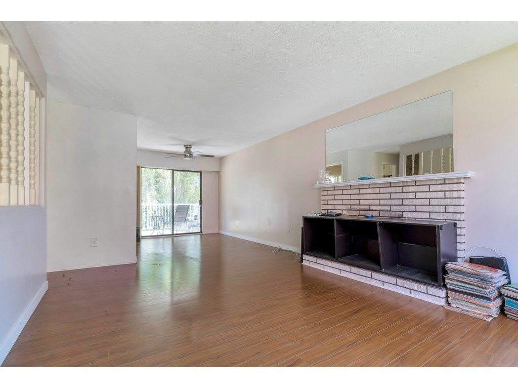 Photo 2: Photos: 10276 145 Street in Surrey: Guildford House for sale (North Surrey)  : MLS®# R2566192