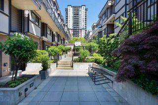 """Photo 2: 43 838 ROYAL Avenue in New Westminster: Downtown NW Townhouse for sale in """"Brickstone Walk 2"""" : MLS®# R2588785"""