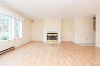 Photo 3: 20 3008 Quadra St in VICTORIA: Vi Mayfair Row/Townhouse for sale (Victoria)  : MLS®# 822598