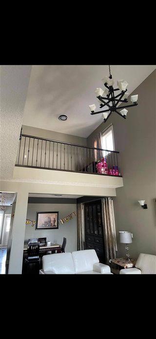 Photo 3: 1424 36A Avenue in Edmonton: Zone 30 House for sale : MLS®# E4235996