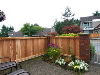 """Photo 7: 39 1925 INDIAN RIVER Crescent in North Vancouver: Indian River Townhouse for sale in """"WINDERMERE ESTATES"""" : MLS®# V968409"""