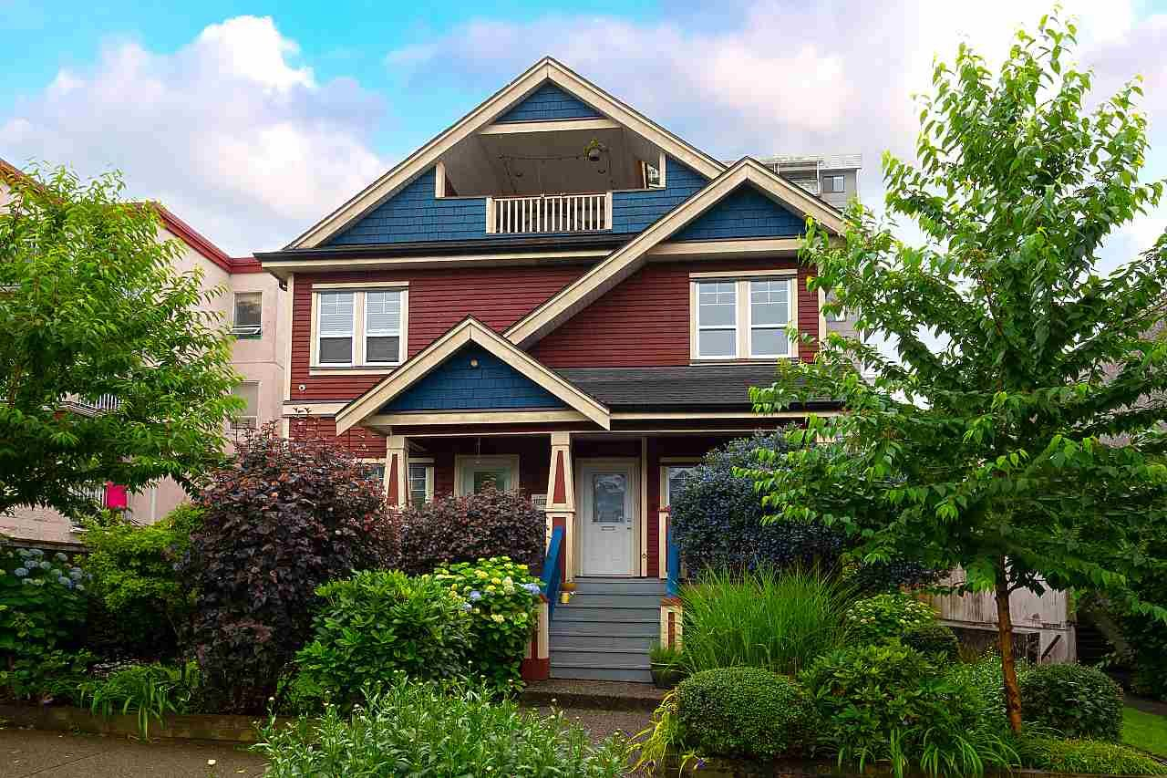 Main Photo: 1732 E GEORGIA Street in Vancouver: Hastings Townhouse for sale (Vancouver East)  : MLS®# R2500770