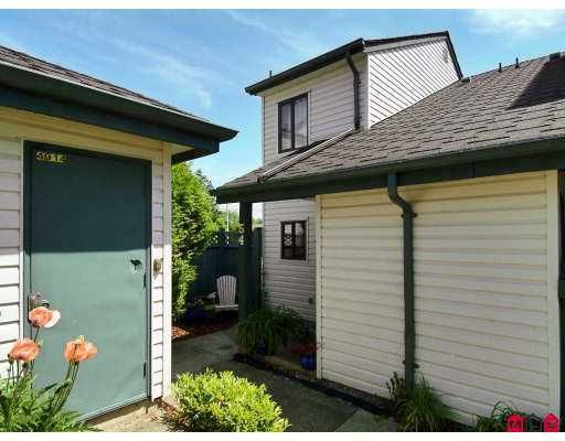 """Main Photo: 54 6641 138TH Street in Surrey: East Newton Townhouse for sale in """"Hyland Creek"""" : MLS®# F2711541"""