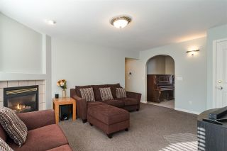 "Photo 8: 27080 25 Avenue in Langley: Aldergrove Langley House for sale in ""ALDERGROVE"" : MLS®# R2418547"