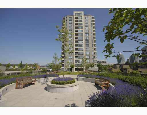 "Main Photo: 607 4182 DAWSON Street in Burnaby: Brentwood Park Condo for sale in ""TANDEM 3."" (Burnaby North)  : MLS®# V721592"