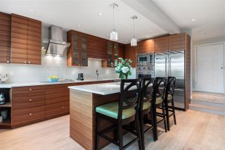 "Photo 11: 11 1620 BALSAM Street in Vancouver: Kitsilano Condo for sale in ""Old Kits Townhomes"" (Vancouver West)  : MLS®# R2484749"