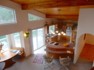 """Photo 4: 4457 FRANCIS PENINSULA Road in Madeira Park: Pender Harbour Egmont House for sale in """"Gerran's Bay"""" (Sunshine Coast)  : MLS®# R2009213"""