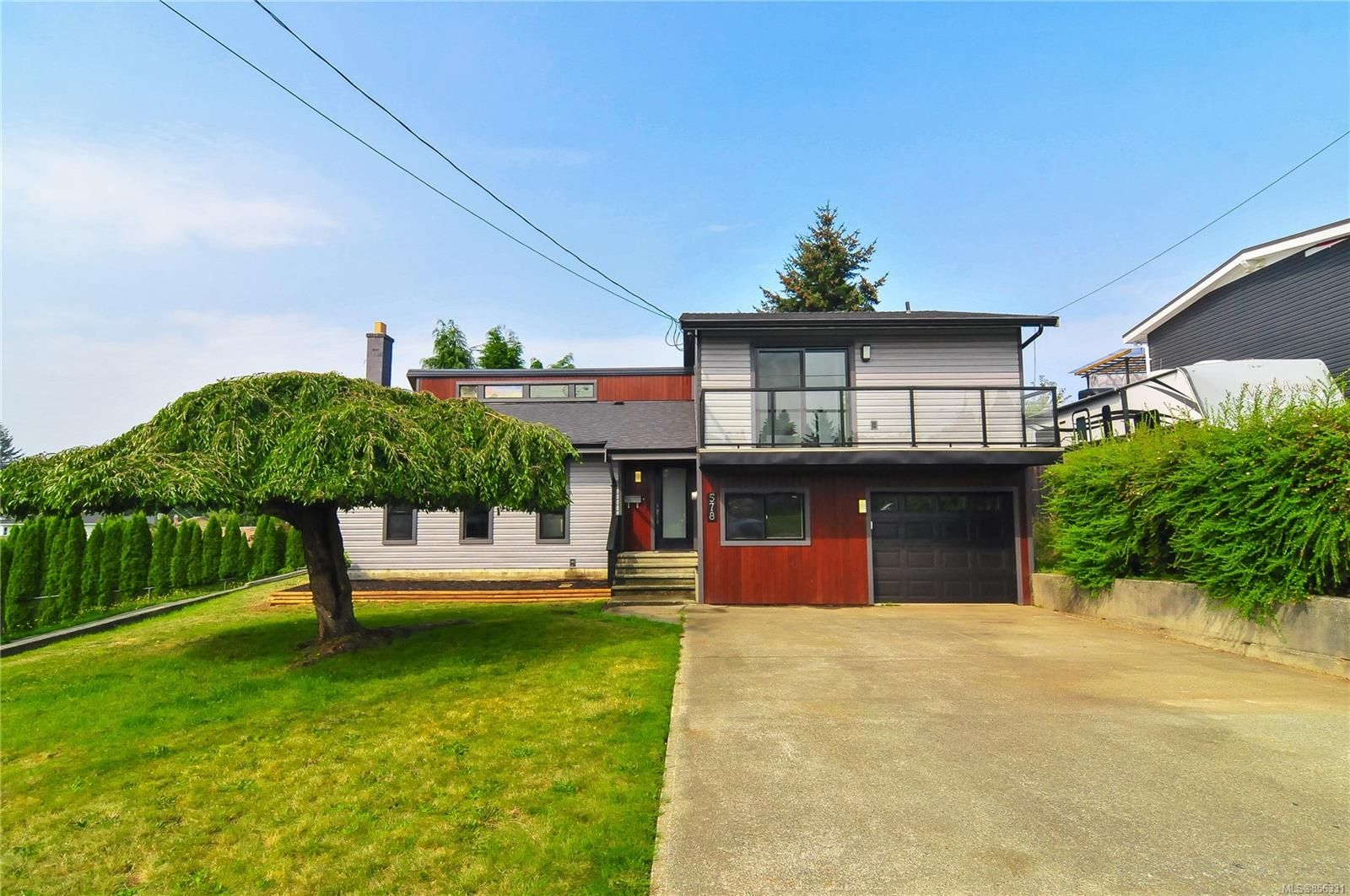 Main Photo: 578 Charstate Dr in : CR Campbell River Central House for sale (Campbell River)  : MLS®# 856331