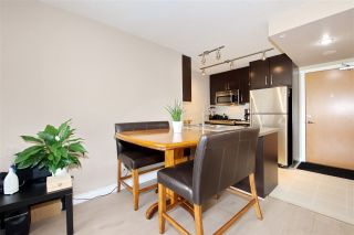 """Photo 10: 707 651 NOOTKA Way in Port Moody: Port Moody Centre Condo for sale in """"SAHALEE"""" : MLS®# R2361626"""