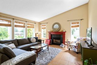 Photo 2: 1348 Argyle Ave in : Na Departure Bay House for sale (Nanaimo)  : MLS®# 878285