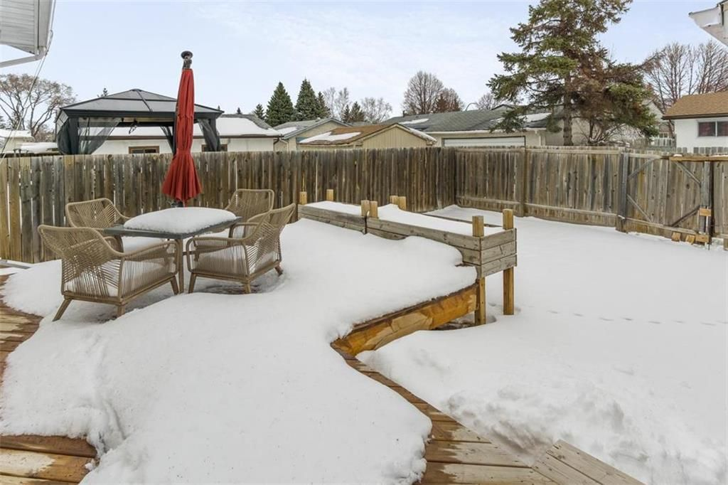 Photo 31: Photos: 93 Pike Crescent in Winnipeg: East Elmwood Residential for sale (3B)  : MLS®# 202108663