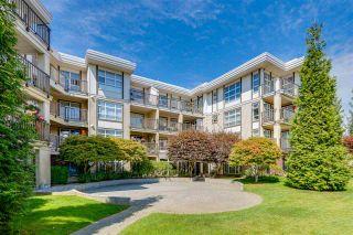 Photo 1: 211 15168 19 Avenue in Surrey: Sunnyside Park Surrey Condo for sale (South Surrey White Rock)  : MLS®# R2482236