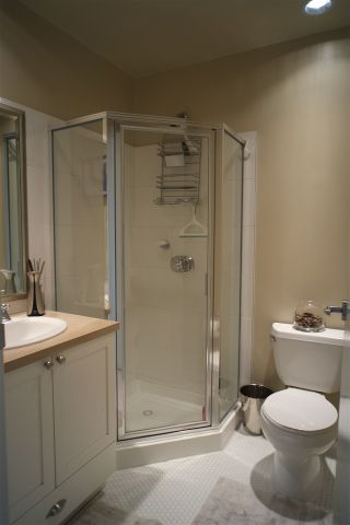 """Photo 13: 162 W 1ST Street in North Vancouver: Lower Lonsdale Townhouse for sale in """"ONE PARK LANE"""" : MLS®# R2024415"""