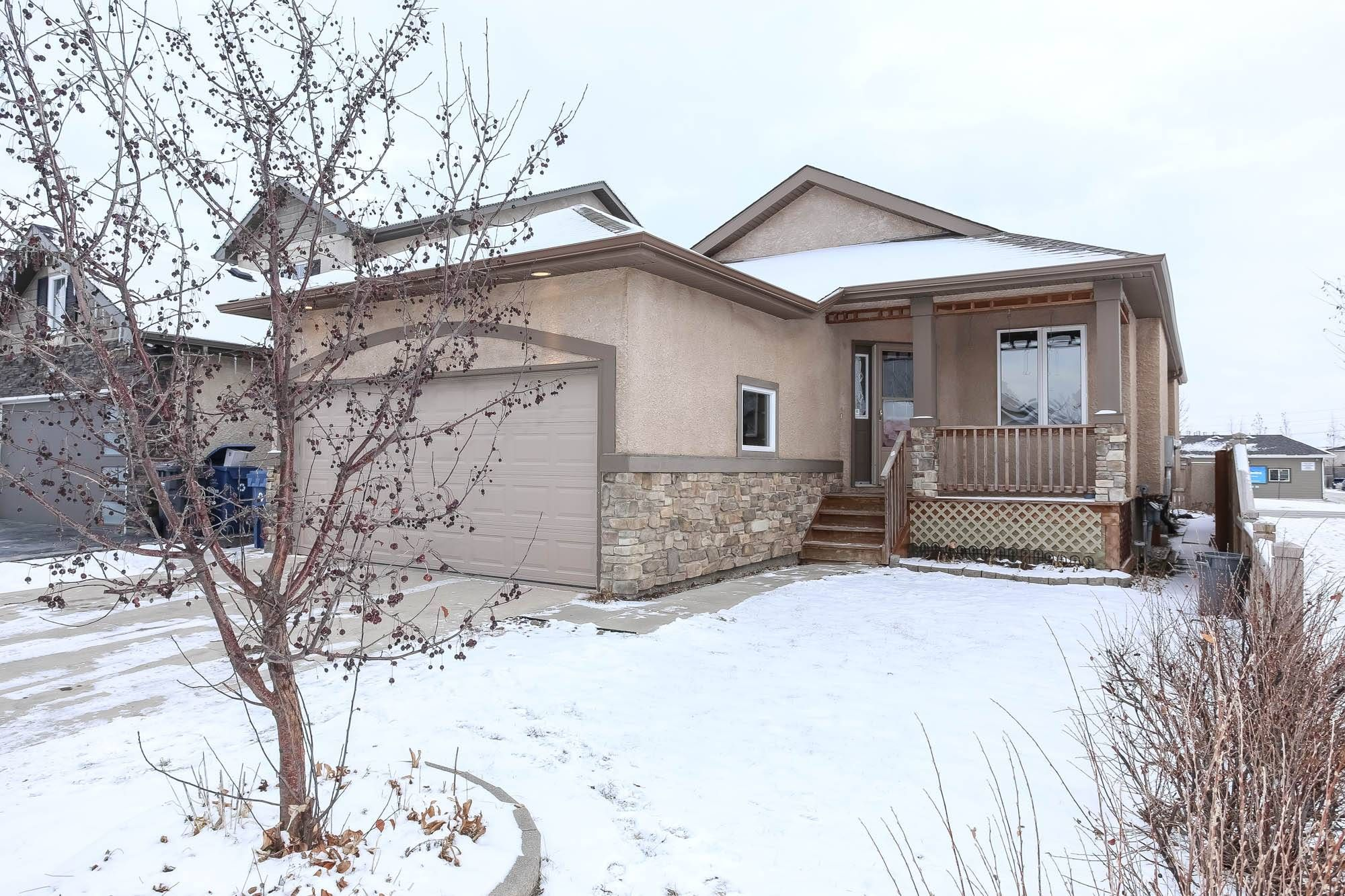Main Photo: 140 Reg Wyatt Way in Winnipeg: Harbour View South Single Family Detached for sale ()  : MLS®# 1932525