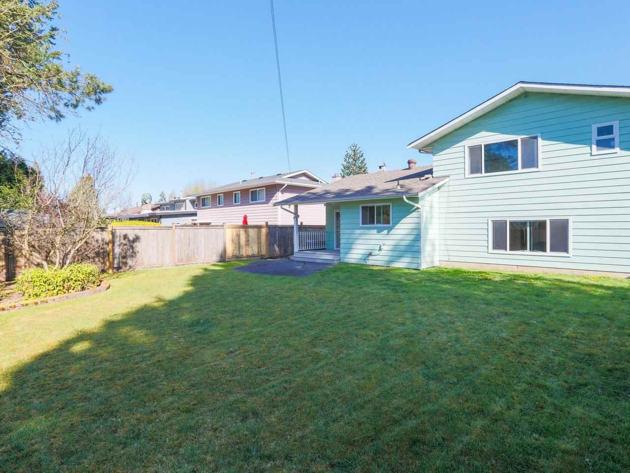Photo 24: Photos: 1422 GROVER Avenue in Coquitlam: Central Coquitlam House for sale : MLS®# R2568207