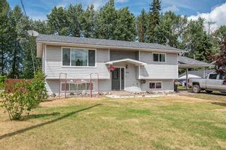 Photo 1: 1506 WALNUT Street: Telkwa House for sale (Smithers And Area (Zone 54))  : MLS®# R2602718