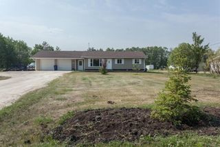 Photo 1: 299 OAKENWALD Crescent in Mitchell: R16 Residential for sale : MLS®# 202117711