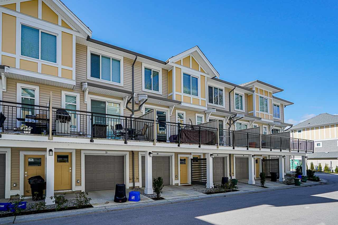 """Main Photo: 20 9688 162A Street in Surrey: Fleetwood Tynehead Townhouse for sale in """"CANOPY LIVING"""" : MLS®# R2552004"""
