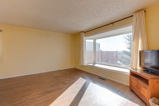 Photo 2: 11208 134 Avenue in Edmonton: Zone 01 House for sale : MLS®# E4231271