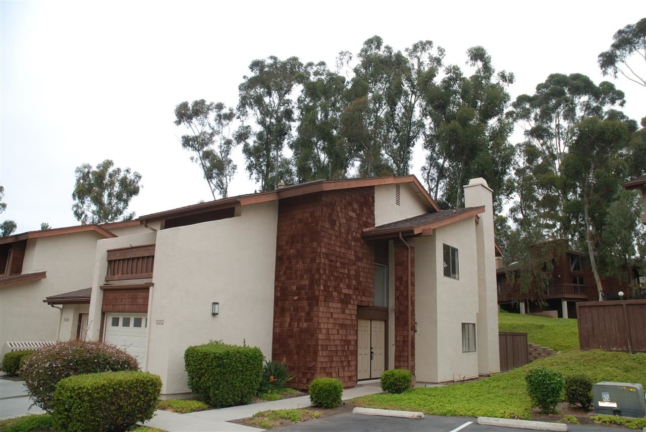 Main Photo: Residential for sale : 3 bedrooms : 10252 Caminito Surabaya in San Diego