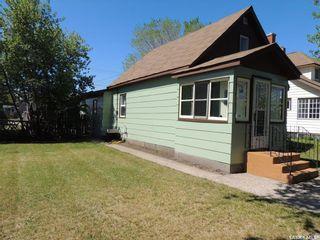 Photo 3: 1106 3rd Street in Estevan: City Center Residential for sale : MLS®# SK809972