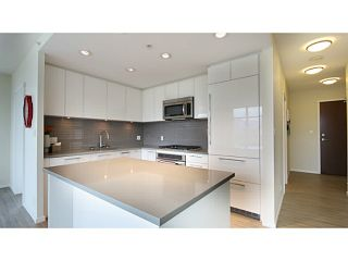 Photo 7: # 2907 3102 WINDSOR GT in Coquitlam: New Horizons Condo for sale : MLS®# V1104666