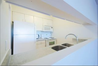 """Photo 5: 2404 4353 HALIFAX Street in Burnaby: Brentwood Park Condo for sale in """"BRENT GARDENS"""" (Burnaby North)  : MLS®# R2331880"""