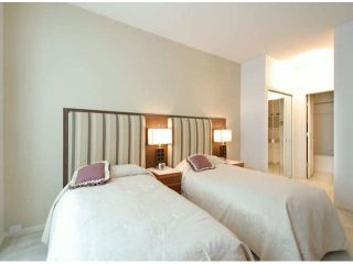 """Photo 13: 403 1765 MARTIN Drive in Surrey: Sunnyside Park Surrey Condo for sale in """"SOUTHWYND"""" (South Surrey White Rock)  : MLS®# F1415442"""