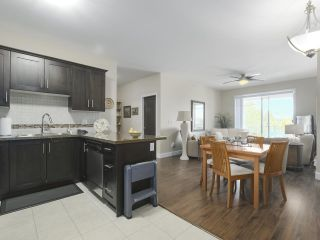Photo 2: 315 46262 FIRST Avenue in Chilliwack: Chilliwack E Young-Yale Condo for sale : MLS®# R2368927