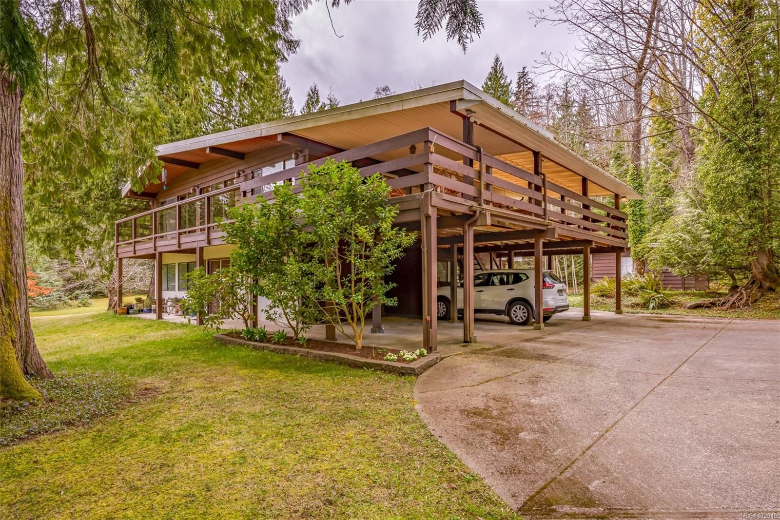 Main Photo: 4365 Munster Rd in : CV Courtenay West House for sale (Comox Valley)  : MLS®# 872010