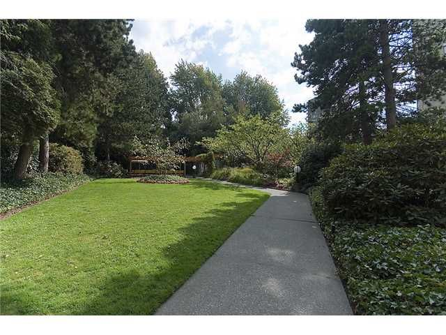 """Photo 10: Photos: 102 1740 COMOX Street in Vancouver: West End VW Condo for sale in """"THE SANDPIPER"""" (Vancouver West)  : MLS®# V945019"""