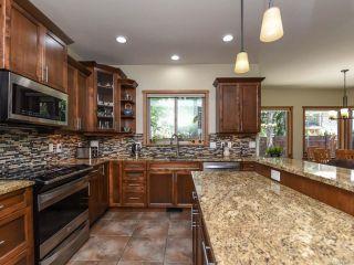 Photo 6: 428 Ensign St in COMOX: CV Comox (Town of) House for sale (Comox Valley)  : MLS®# 839655
