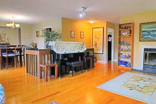 Photo 4: 16170 SPRINGSIDE Court in Surrey: Fraser Heights House for sale (North Surrey)  : MLS®# R2556430