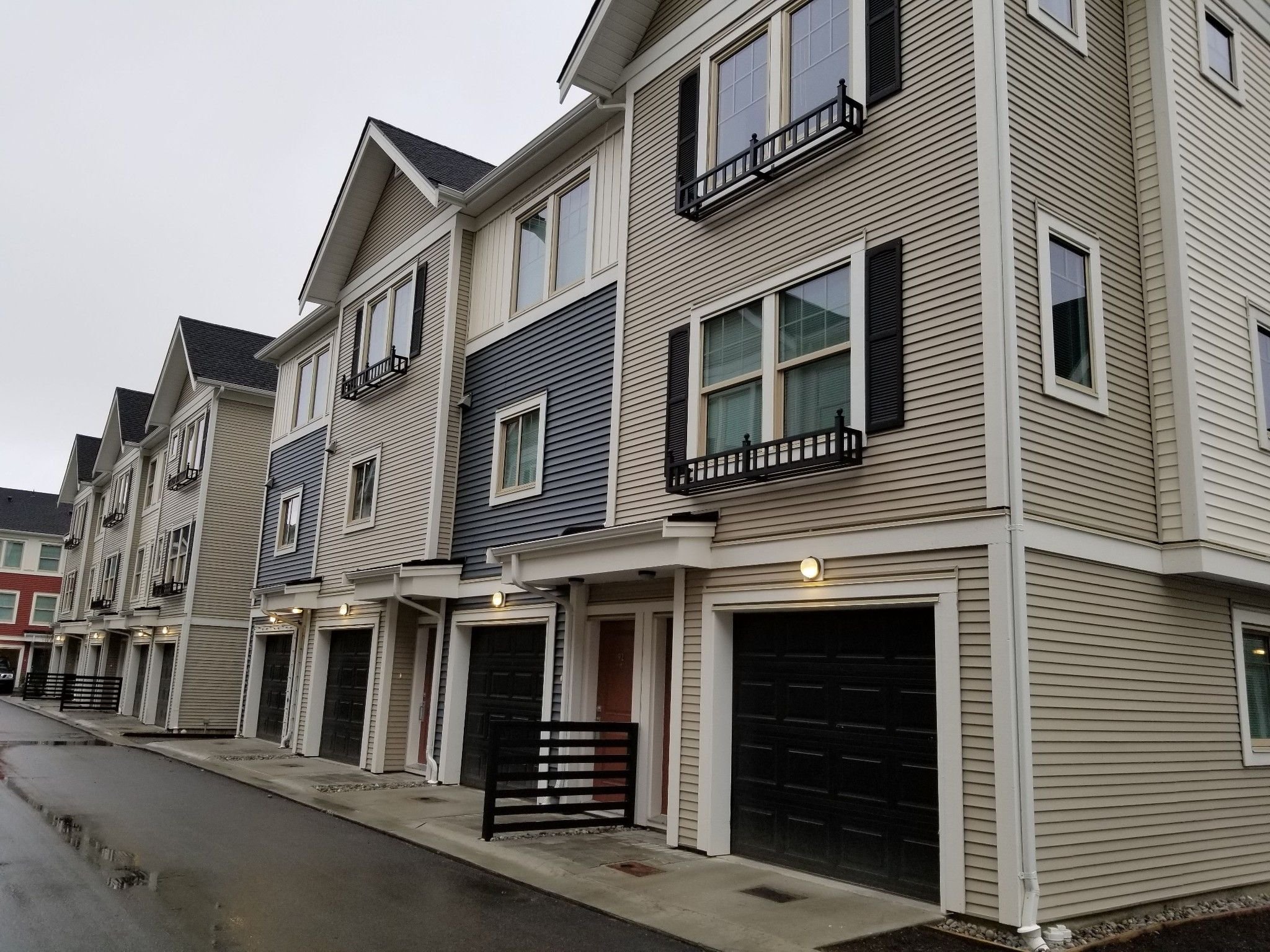 Main Photo: 111 32633 Simon Ave in Abbotsford: Abbotsford West Townhouse for sale