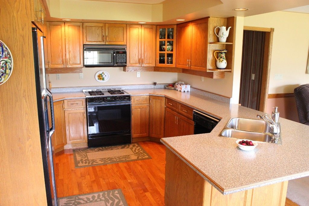 Photo 6: Photos: 3572 Navatanee Drive in Kamloops: Campbell Creek/Del Oro House for sale : MLS®# 125403