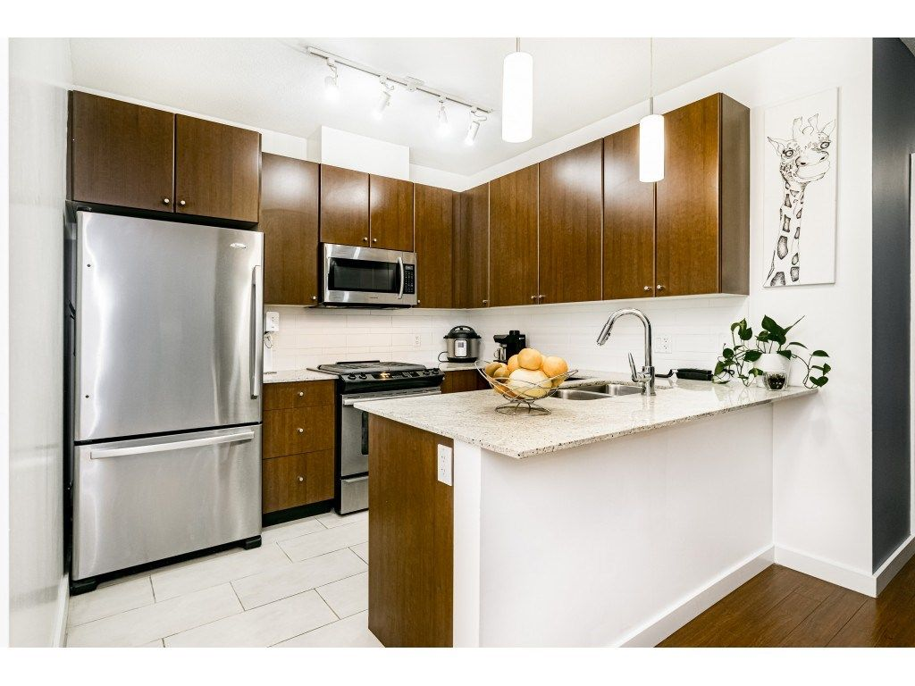 """Main Photo: 1707 280 ROSS Drive in New Westminster: Fraserview NW Condo for sale in """"THE CARLYLE"""" : MLS®# R2502203"""