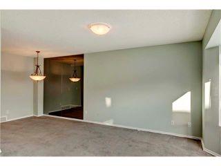 Photo 3: 15 WHITMIRE Villa(s) NE in Calgary: Whitehorn House for sale : MLS®# C4094528