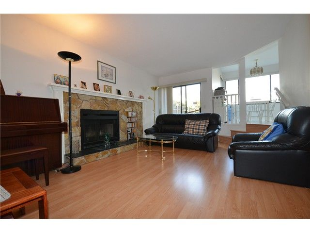 Photo 3: Photos: 2784 WESTLAKE Drive in Coquitlam: Coquitlam East House for sale : MLS®# V1083673
