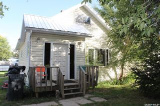 Photo 2: 508 1st Avenue in Lampman: Residential for sale : MLS®# SK824172