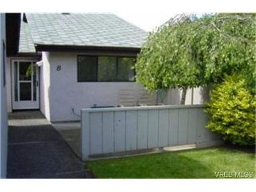 Main Photo: 8 1184 Clarke Rd in BRENTWOOD BAY: CS Brentwood Bay Row/Townhouse for sale (Central Saanich)  : MLS®# 341518