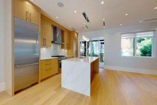 Photo 4: 3571 MARSHALL Street in Vancouver: Grandview Woodland House for sale (Vancouver East)  : MLS®# R2615173