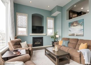 Photo 2: 4 Eversyde Park SW in Calgary: Evergreen Row/Townhouse for sale : MLS®# A1098809