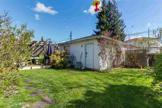 """Photo 12: 108 E 56TH Avenue in Vancouver: South Vancouver House for sale in """"LANGARA"""" (Vancouver East)  : MLS®# R2257447"""
