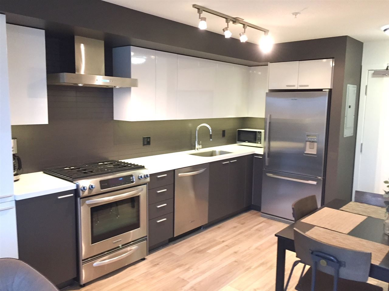 """Main Photo: 310 2888 E 2ND Avenue in Vancouver: Renfrew VE Condo for sale in """"SESAME"""" (Vancouver East)  : MLS®# R2217838"""