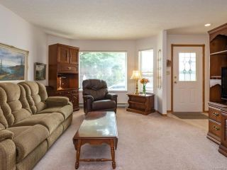 Photo 2: 2216 E 9th St in COURTENAY: CV Courtenay East House for sale (Comox Valley)  : MLS®# 795198