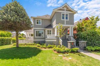 Photo 1: 2706 W 2ND Avenue in Vancouver: Kitsilano Townhouse for sale (Vancouver West)  : MLS®# R2591722