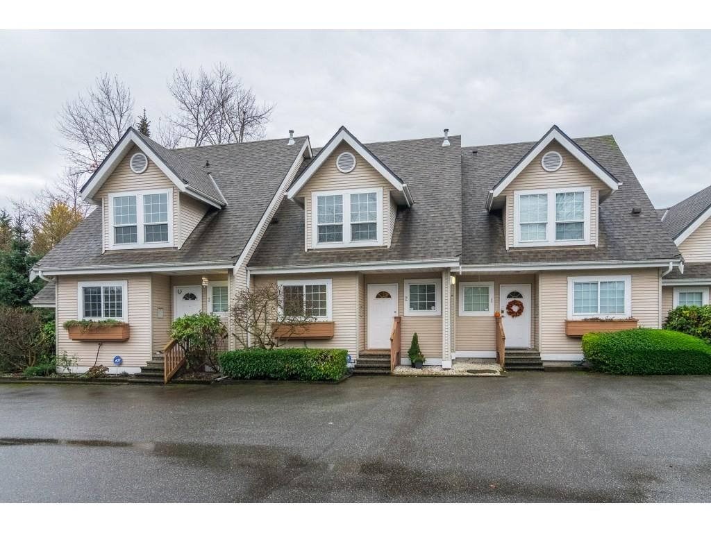 """Main Photo: 2 19948 WILLOUGHBY Way in Langley: Willoughby Heights Townhouse for sale in """"Cranbrook Court"""" : MLS®# R2324566"""